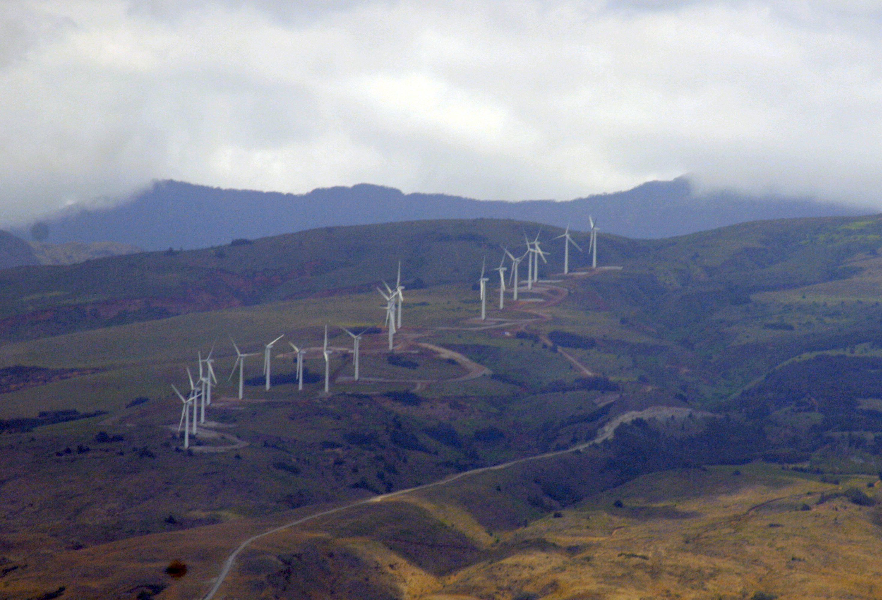 Maui wind farm. Photo by Alvin Smith/The_Smiths on Flickr (Creative Commons).
