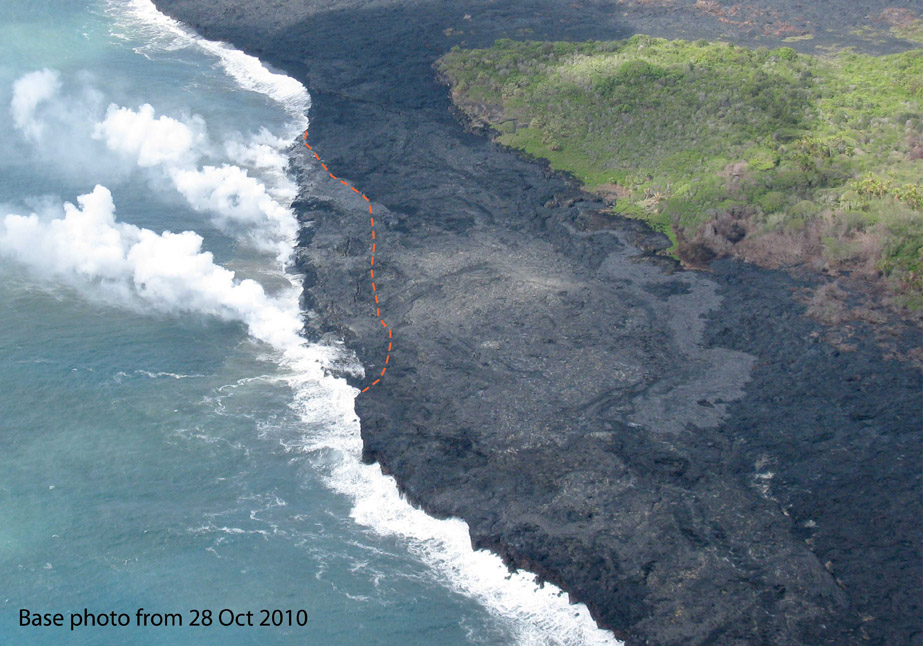 Photo of the Puhi-o-Kalaikini lava delta taken on Thursday, October 28, 2010, prior to the collapse.