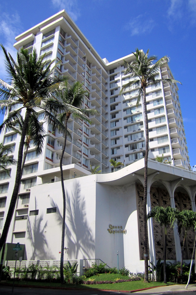 Queen Kapiolani Hotel | CC Photo by Wally Gobetz